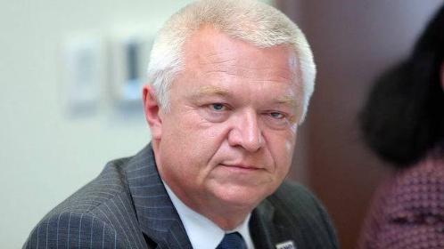Čí zájmy hájí v českém vodárenství J. Faltýnek?