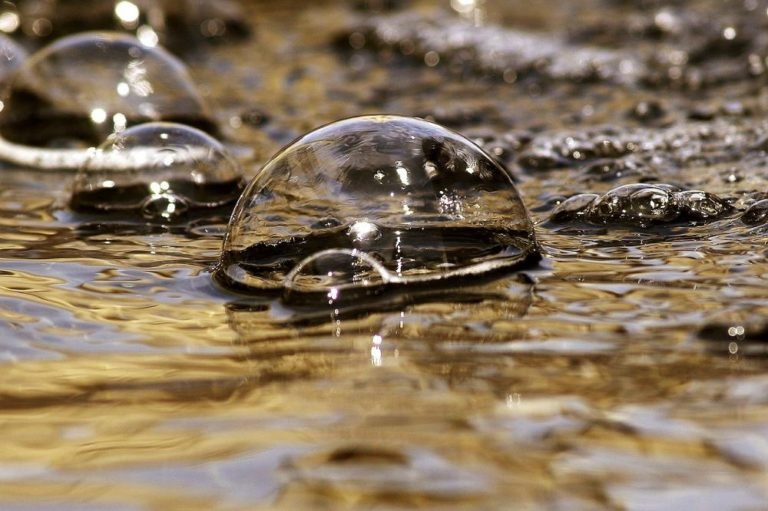bublina na vodě