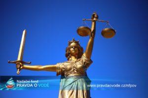 Justice v ČR potřebuje transformaci, ne změny uvnitř prohnilého systému