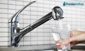 Českou vodu si prodávejme sami, bez zahr. koncernů a různých překupníků. Všichni na tom ušetříme.